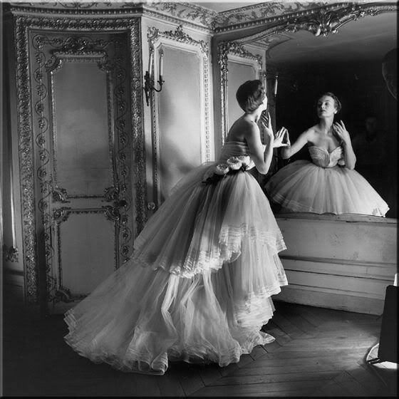 noir et blancFashion Mirror Photography